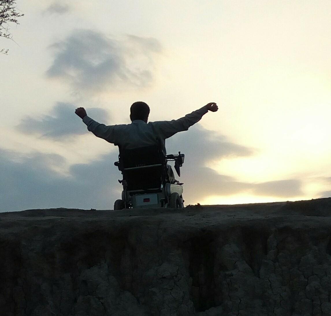 Story of no surrender of a quadripledic warrior.